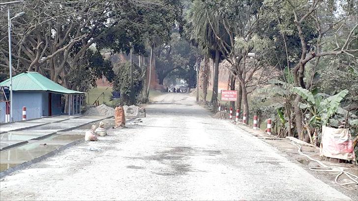 Photo of মহদিপুর-সোনামসজিদ বন্দরে আমদানি-রফতানি বন্ধ