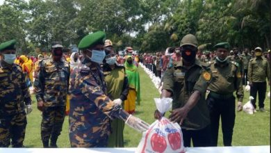Photo of হিলির আনসার ভিডিপি সদস্যদের ত্রান সহায়তা প্রদান