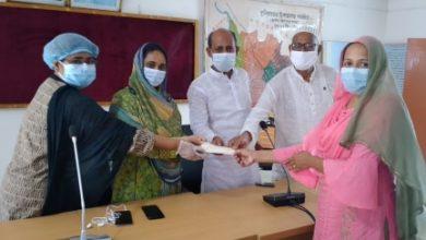 Photo of কুলিয়ারচরে নন-এমপিও শিক্ষক-কর্মচারীরা পেলেন প্রধানমন্ত্রীর প্রণোদনা উপহার